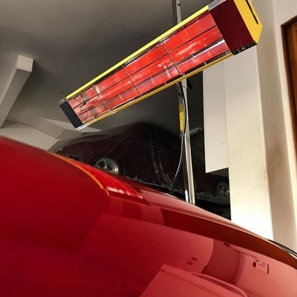 Using Infratech SRU-1615 medium wave system for a fine cherry red gloss on this Porsche.